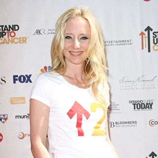 Anne Heche in 2010 Stand Up To Cancer - Arrivals