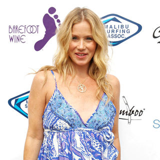 Christina Applegate in Surfrider Foundation's 5th Annual Celebrity Expression Session