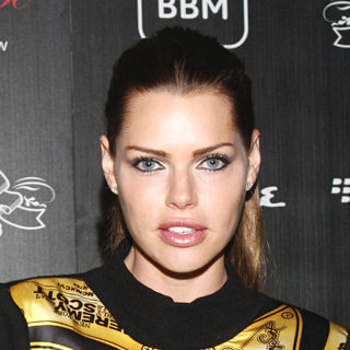 Sophie Monk in House of Hype VMA 2010 Hospitality and Ultra Lounge