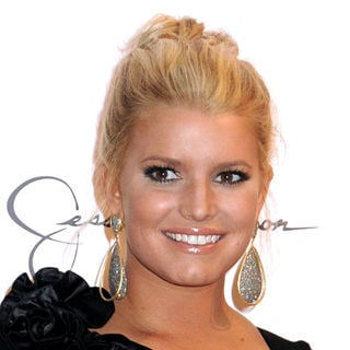Jessica Simpson - Jessica Simpson Launches Macy's 'Find Your Magic Campaign'