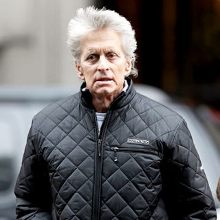 Michael Douglas in Cancer Stricken Actor Walking