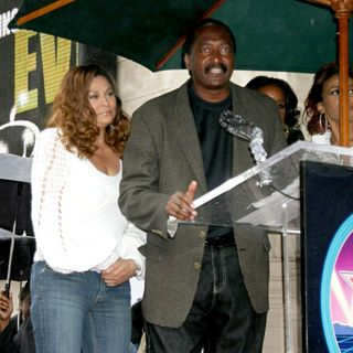 Tina Knowles, Mathew Knowles in Destiny's Child Honoured with The 2,305th Star on The Hollywood Walk of Fame