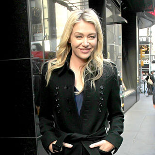 Portia de Rossi in Portia de Rossi Leaving ABC Studios After Promoting Her New Book 'Unbearable Lightness'