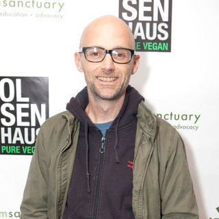 Moby in Haus Pure Vegan/Farm Sanctuary - wenn5571455