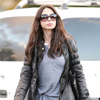Oksana Grigorieva and Her Mother Are Seen Going to The Cinema to Catch A Movie in Sherman Oaks