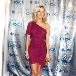 Lara Spencer in 2011 People's Choice Awards - Arrivals