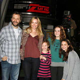 "Judd Apatow, Leslie Mann in Los Angeles Premiere of ""Justin Bieber: Never Say Never"""