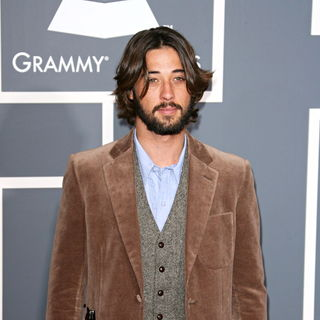 Ryan Bingham in The 53rd Annual GRAMMY Awards - Red Carpet Arrivals