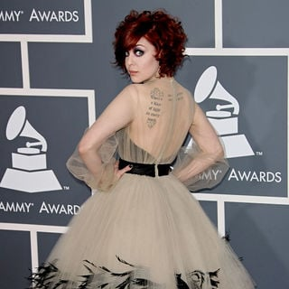 Anna Nalick in The 53rd Annual GRAMMY Awards - Red Carpet Arrivals