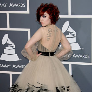 Anna Nalick in The 53rd Annual GRAMMY Awards - Red Carpet Arrivals - wenn5607867