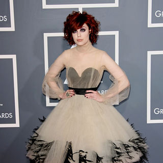 Anna Nalick in The 53rd Annual GRAMMY Awards - Red Carpet Arrivals - wenn5607870