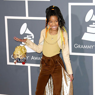 Willow Smith in The 53rd Annual GRAMMY Awards - Red Carpet Arrivals