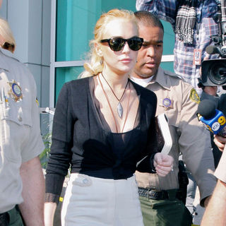 Lindsay Lohan in Lindsay Lohan Departs The Los Angeles County Superior Court Airport Courthouse