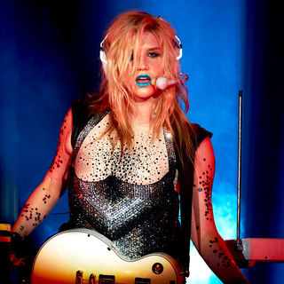 Ke$ha in Ke$ha Performs Live in Concert at The House of Blues