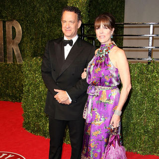 Tom Hanks, Rita Wilson in 2011 Vanity Fair Oscar Party - Arrivals