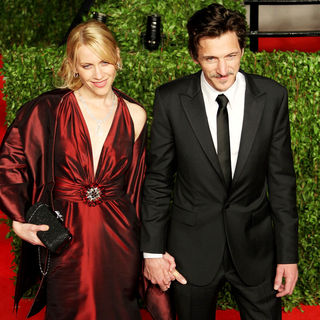 John Hawkes in 2011 Vanity Fair Oscar Party - Arrivals