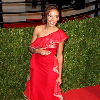 Selita Ebanks in 2011 Vanity Fair Oscar Party - Arrivals