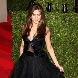 Eva Mendes in 2011 Vanity Fair Oscar Party - Arrivals