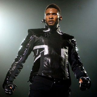 Usher - Usher Performing A Sold Out Concert