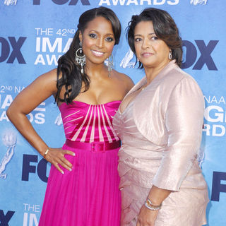 Keshia Knight Pulliam, Denise Pulliam in 42nd NAACP Image Awards - Arrivals