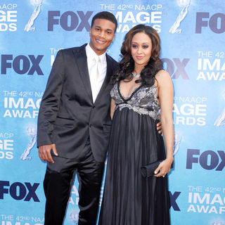 Cory Hardrict, Tia Mowry in 42nd NAACP Image Awards - Arrivals