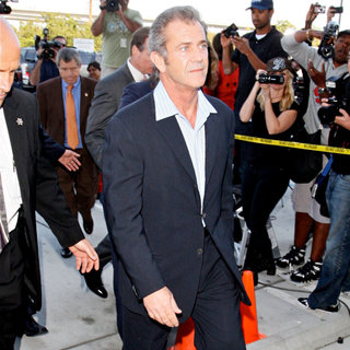 Mel Gibson in Mel Gibson Arriving at The Los Angeles County Superior Court Airport Courthouse
