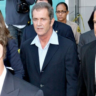 Mel Gibson in Mel Gibson Leaving The Los Angeles County Superior Court Airport Courthouse