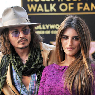 Johnny Depp, Penelope Cruz in Penelope Cruz Receives A Star on The Hollywood Walk of Fame