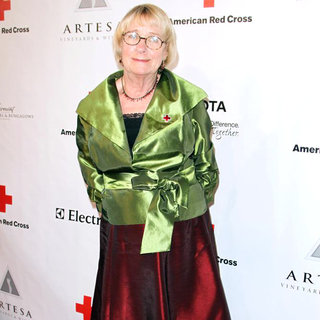 Kathryn Joosten in The American Red Cross: Santa Monica Chapter's Annual Red Tie Affair - Arrivals