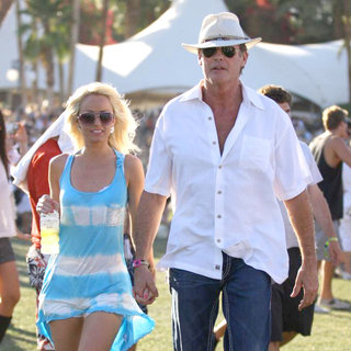 Hayley Roberts, David Hasselhoff in Celebrities at The 2011 Coachella Valley Music and Arts Festival - Day 3
