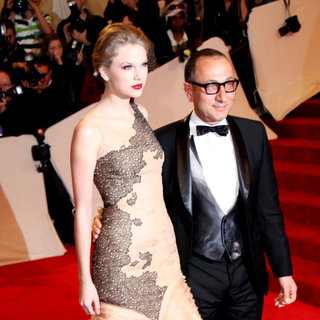 Taylor Swift, Gilles Mendel in Alexander McQueen: Savage Beauty Costume Institute Gala