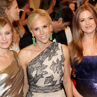 Kristen Bell, Tory Burch, Isla Fisher in Alexander McQueen: Savage Beauty Costume Institute Gala