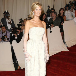 Sandra Lee in Alexander McQueen: Savage Beauty Costume Institute Gala