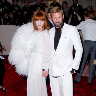 Florence Welch, Stefano Pilati in Alexander McQueen: Savage Beauty Costume Institute Gala