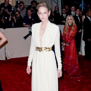 Leelee Sobieski in Alexander McQueen: Savage Beauty Costume Institute Gala