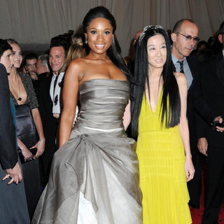 Jennifer Hudson, Vera Wang in Alexander McQueen: Savage Beauty Costume Institute Gala