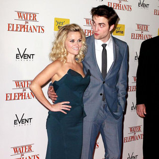 Reese Witherspoon, Robert Pattinson in The Australian Film Premiere of 'Water for Elephants' - Arrivals