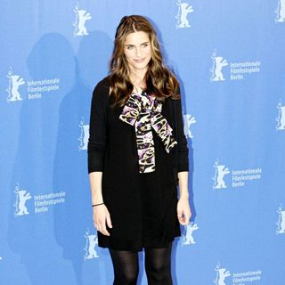 Amanda Peet in The 60th Berlin International Film Festival (Berlinale) - 'Please Give' Photocall