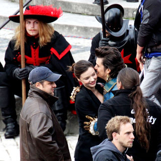 Miranda Kerr, Orlando Bloom in On The Set of 'The Three Musketeers'