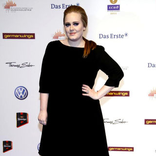 Adele in The Echo 2011 Awards - Red Carpet Arrivals