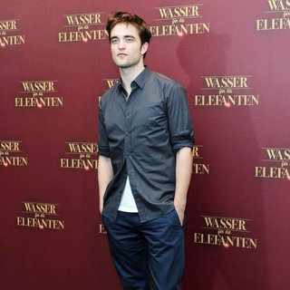 "Robert Pattinson in A Photocall for The Movie ""Water for Elephants"""
