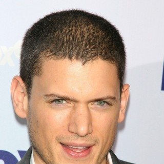 Wentworth Miller in 2008 FOX Upfront - Arrivals - wentworth-miller-2008-fox-upfront-01
