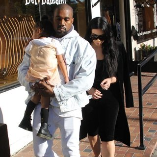 Kanye West - Kim Kardashian and Kanye West shopping