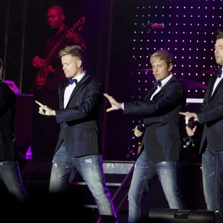 Westlife's Gravity Tour - westlife-gravity-tour-08
