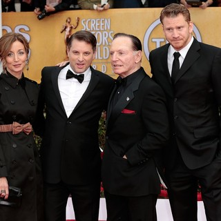 Christine Whigham, Shea Whigham, Paul Herman, Dash Mihok in 19th Annual Screen Actors Guild Awards - Arrivals