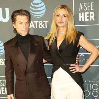 Shea Whigham, Julia Roberts in 24th Annual Critic's Choice Awards - Arrivals