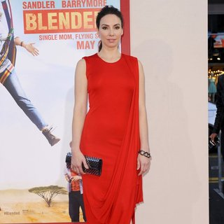 Whitney Cummings in Los Angeles Premiere of Blended - Arrivals