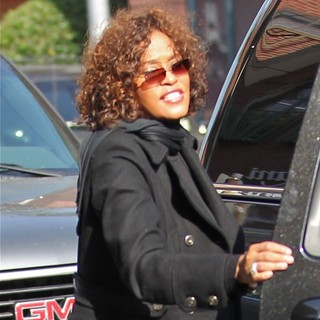Whitney Houston - Whitney Houston Heads Into A Medical Building