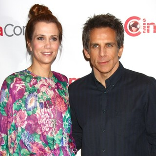 Kristen Wiig in 20th Century Fox's CinemaCon - Arrivals - wiig-stiller-20th-century-fox-s-cinemacon-01