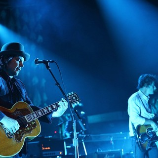 Jeff Tweedy, John Stirratt, Wilco in Wilco Performing Live in Concert